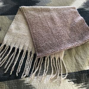 Accessories - FabFitFun blanket scarf